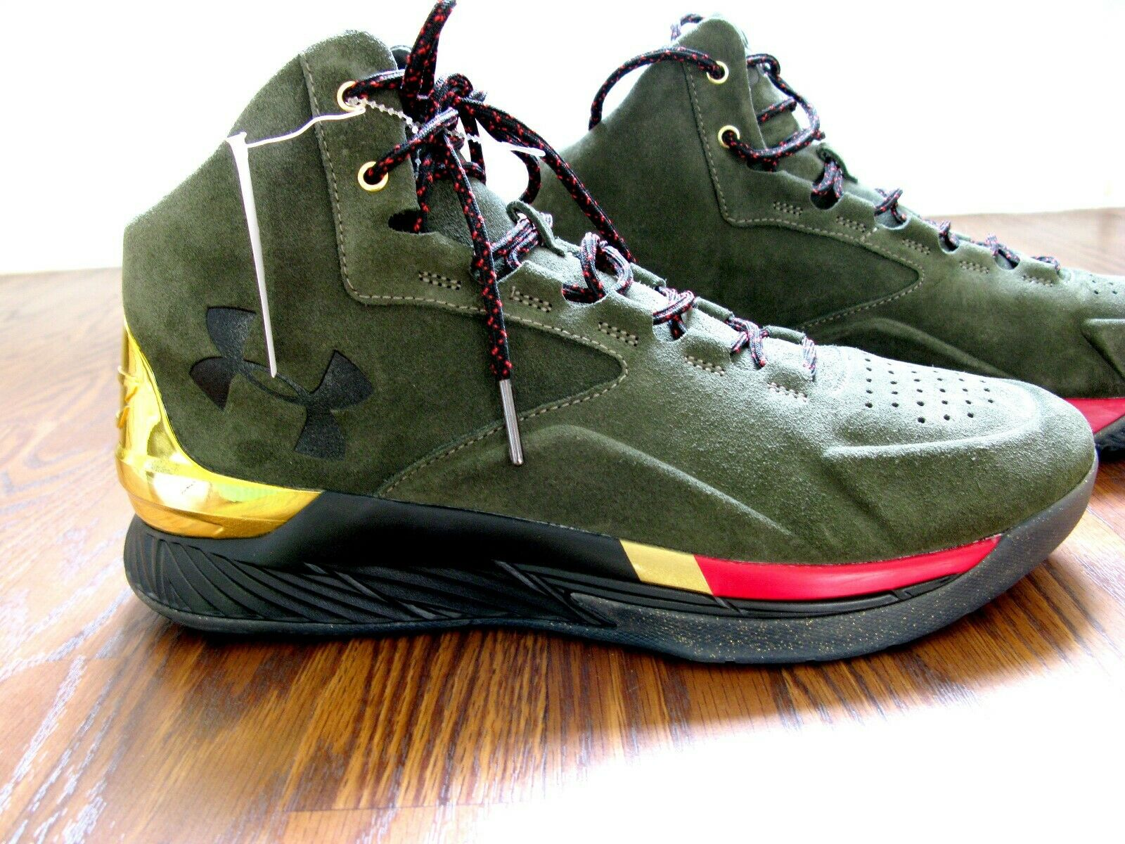 SALE Under Armour Running Athletic Sports Men's shoes in Green Size 11.5