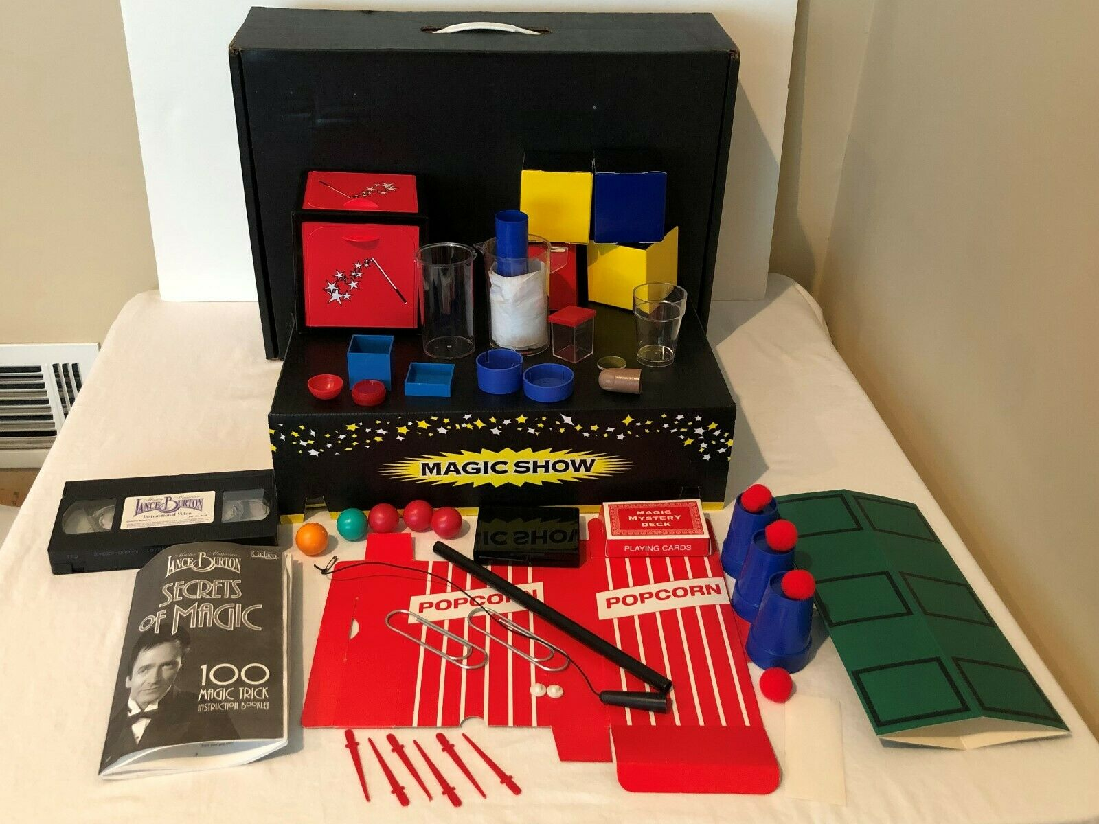 Lance Burton Vintage Master Magician Secrets of Magic Show Set 100 Magic Tricks