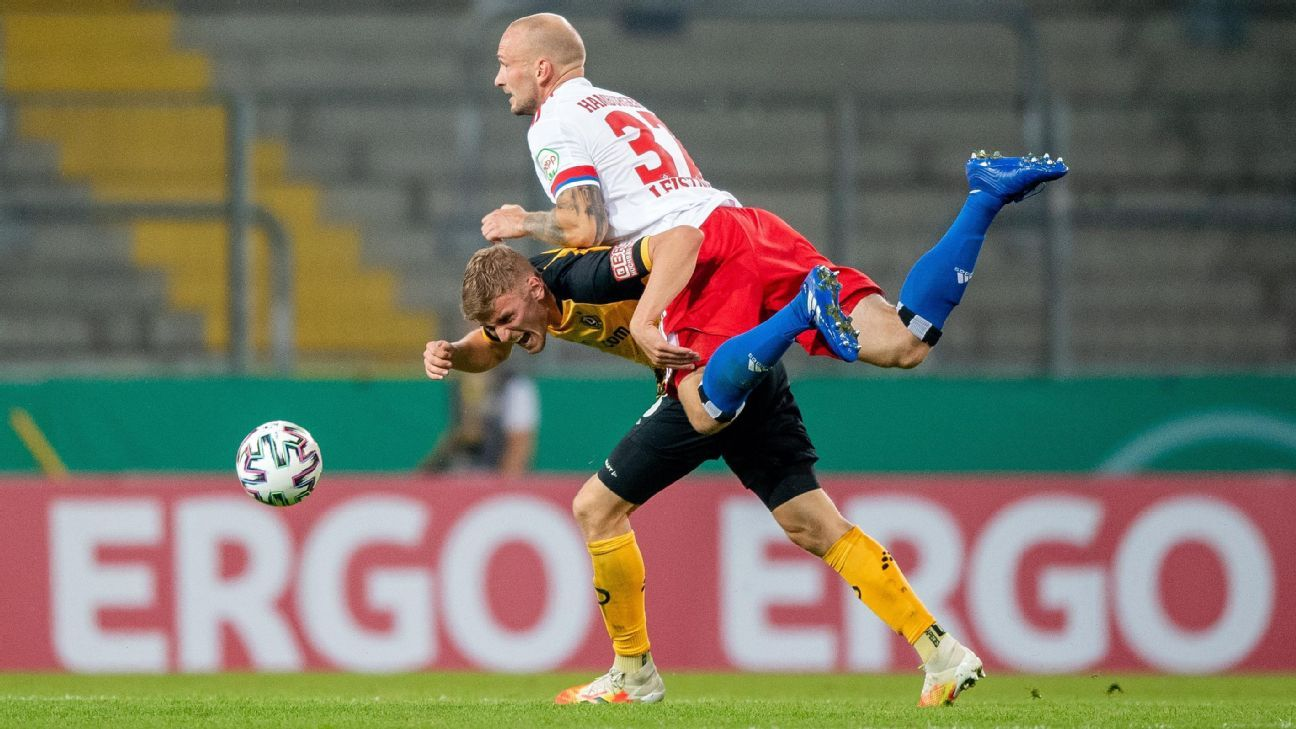 Hamburg player enters stands, manhandles fan after German Cup loss