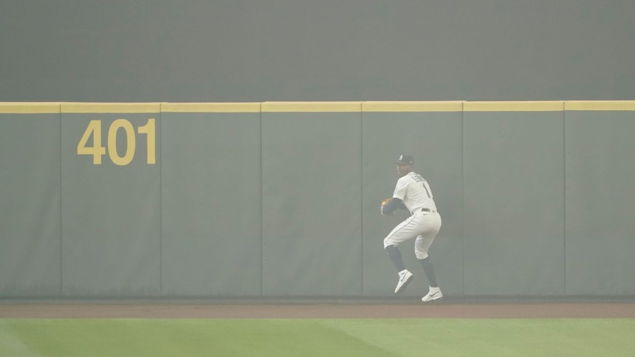 Athletics-Mariners doubleheader played under haze of smoke in Seattle