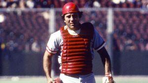 Auction winner returning items to Cincinnati Reds legend Johnny Bench