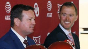 Lincoln Riley calls up ex-Oklahoma coach Bob Stoop to help at Sooners' practice